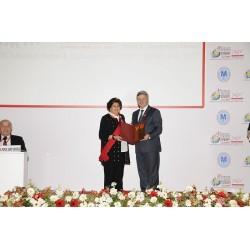 Prof. Dr. Nilüfer Eğrican'a Onur Madalyası Makedonya Cumhurbaşkanı H.E.Gjorge IVANOV tarafından takıldı.