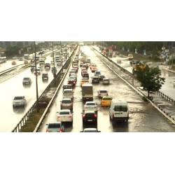 """TMMOB İnşaat Mühendisleri Odası İstanbul Şubesi'nin,18 Temmuz günü İstanbul'da yaşanan su taşkınlarıyla ilgili yaptığı açıklamada, """"Betona teslim edilen bir kentin yağmura teslim olması kaçınılmazdır"""" dendi."""
