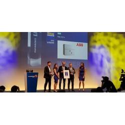 ABB'nin 185 kW aktif güç sağlayan yeni PVS-175-TL dizi  inverteri, endüstri uzmanları tarafından 2018 Intersolar Ödülleri'nde en yenilikçi Solar inverter  ödülünü aldı.