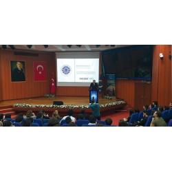 ALDAĞ A.Ş. İcra Kurulu Başkanı Rebii Dağoğlu Yıldız Teknik Üniversitesi'ndeki konuşmasında