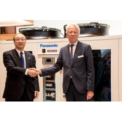 Panasonic Klima Sistemleri Başkanı Toshiyuki Takagi ve Systemair CEO'su Roland Kasper