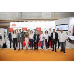 ABB,12. Uluslararası Güneş Enerjisi ve Teknolojileri Fuarı'nda ekibi ile birlikte
