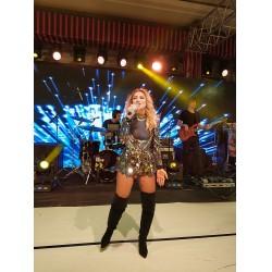 Gala gecesinde ünlü şarkıcı Hadise sahne aldı