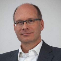 ABB'nin E-mobilite Altyapı Çözümleri Bölümü Başkanı Frank Muehlon