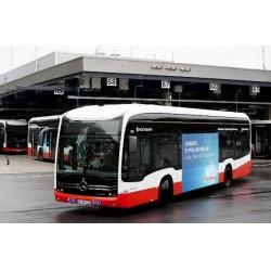 ABB şarj üniteleri ile Hamburger filosundaki 44 otobüs eş zamanlı olarak merkezi otobüs terminali üzerinden şarj edilebiliyor